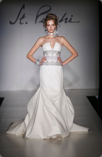 wedding dress St Pucchi Style 540- Front