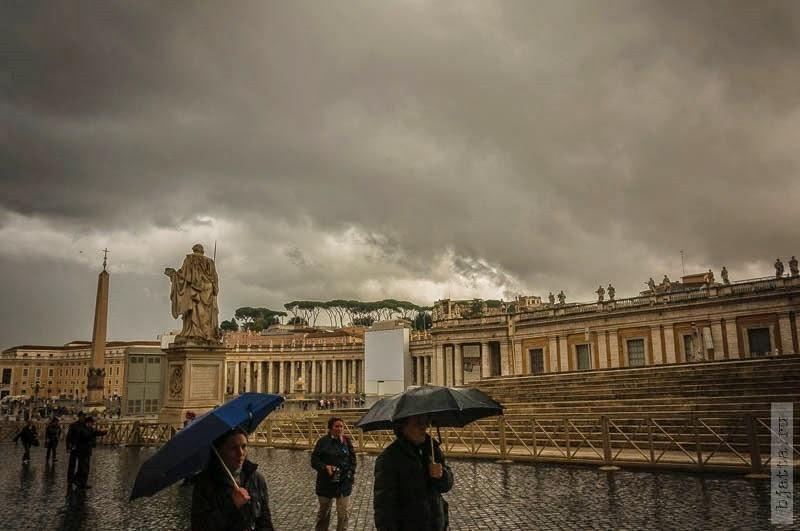 5. На входе пустынно, не сезон, дождь 9 градусов по С. 2011, march, Italy, Rome, Vatican, март, Рим, Италия, Ватикан.