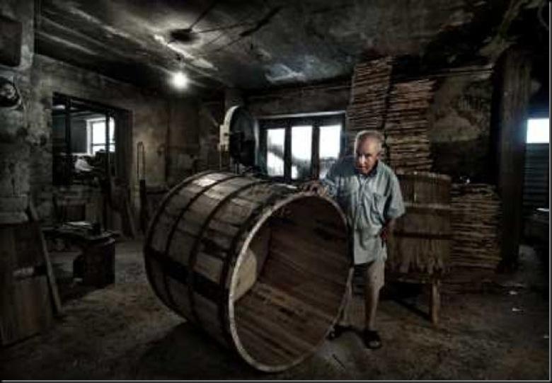 Il costruttore di botti Foto di Antonio Grambone