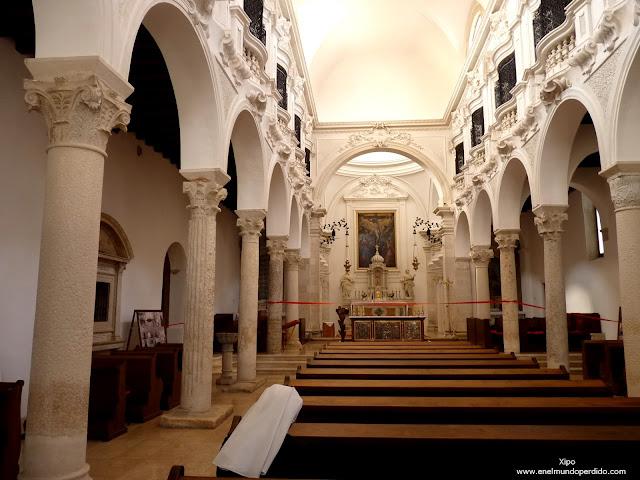interior-iglesia-santa-maria-de-zadar.JPG