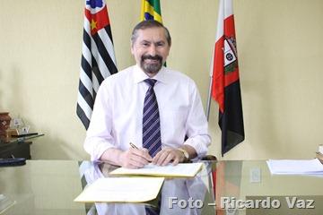 Foto 01 - Evil ísio Farias est í entre os 100 melhores prefeitos do Brasil