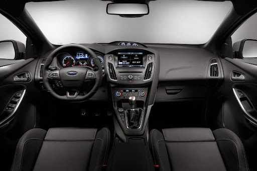 Ford-Focus-ST-04.jpg