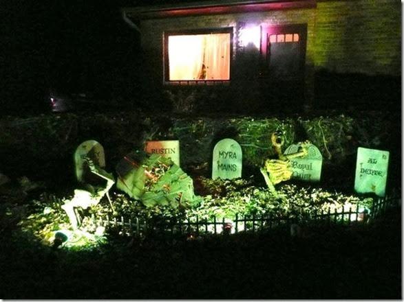 halloween-house-decorations-8