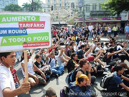 protesto_de_estudantes_em_vitoria_4de7e5e981ffb-473418-4de7e5e984066
