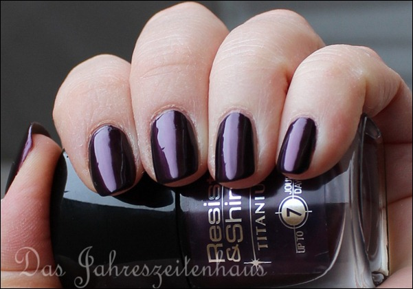 L'Oreal Paris Resist & Shine Titanium - Black Violet 3