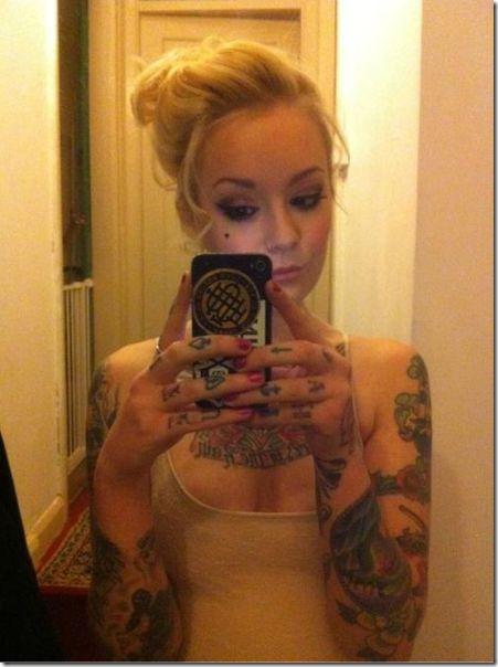 hot-tattoos-women-14