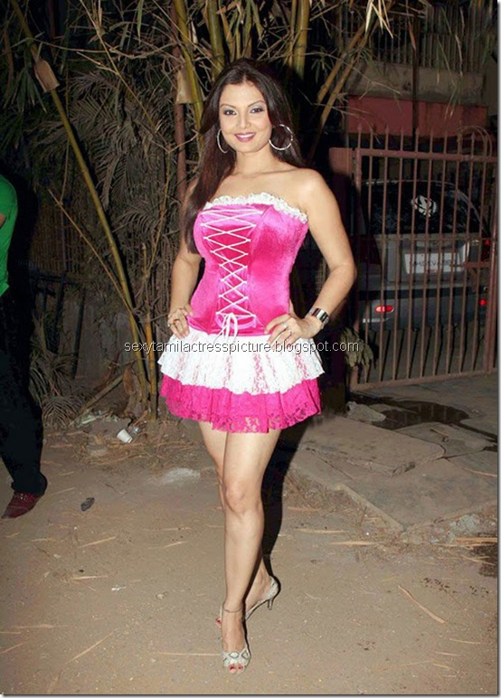 actress_deepshikha_in_hot_dress_03
