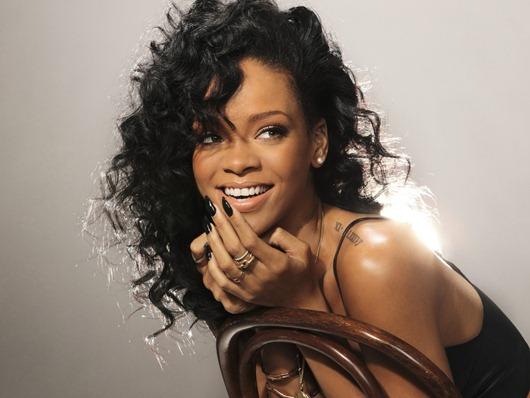 Girls_Rihanna_2012_035056_