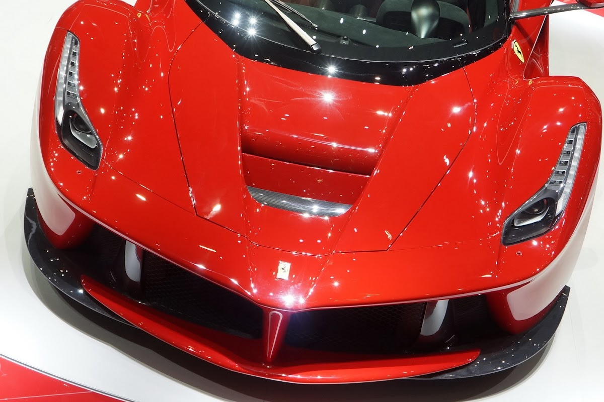Allow Us to Introduce You to Ferrari LaFerrari [Photo Gallery ...