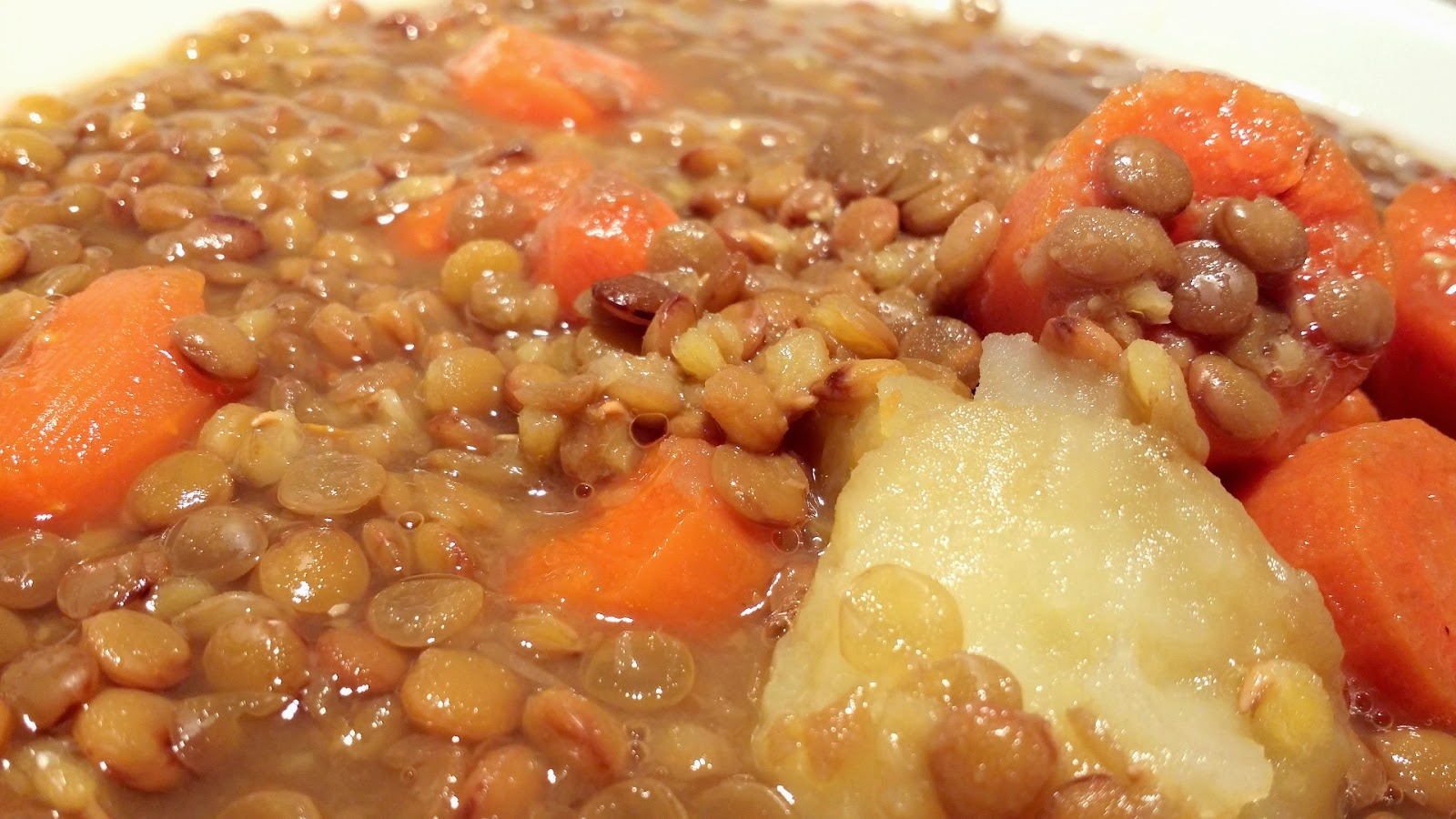 Receta olla r pida lentejas con zanahoria y patata - Lentejas con costillas y patatas ...