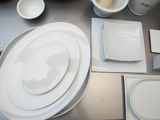 I love the simplicity of these porcelain pieces.