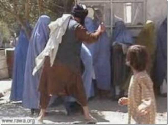 afghan_taliban_women_beating