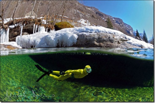 incredibly_clear_waters_of_the_verzasca_river_640_06