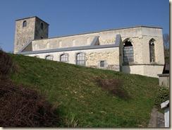 Lijsem (Lincent): de ruïne van de Sint-Pieterskerk (romaans; reeds vermeld in 1139)