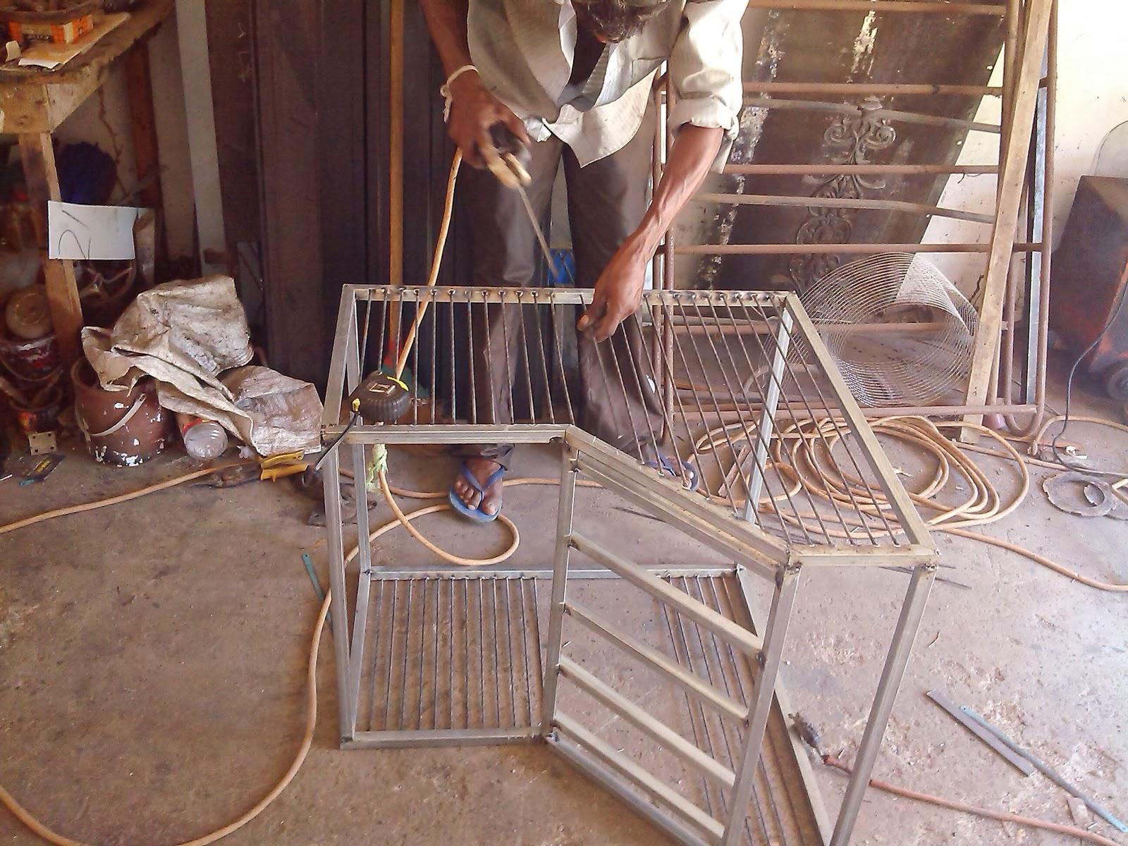 I have made pigeon trap door for my loft. & Pigeon trap door | Sri Lanka Pigeons Pezcame.Com