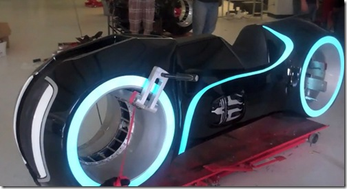awesome-electric-tron-lightcycle-by-parker-brothers-2