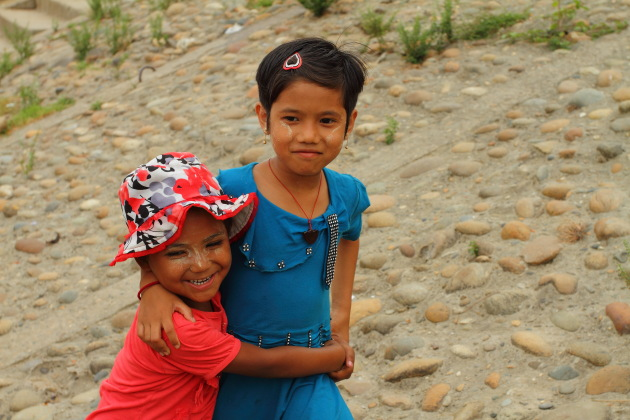 Smiling Myitkyina girls