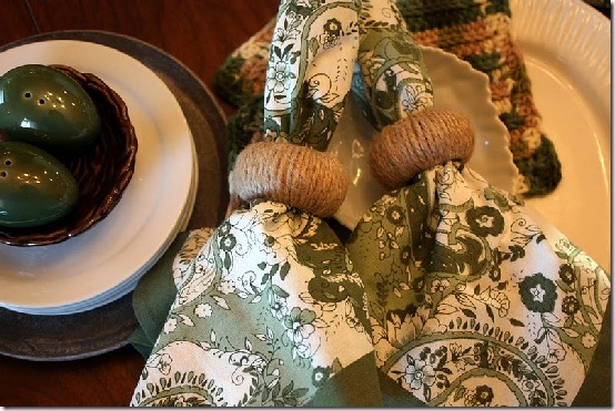 diy projects with jute--make napkin rings wrapped in jute