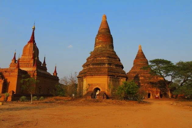 The bell shaped pagodas o Bagan, Burma