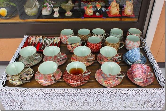 陶瓷藝品是【湯布院】商店街的特色之一,這裏有非常多種不同造型及彩繪圖案的瓷器。