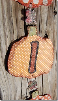 paper-pumpkin-upclose_thumb[4]