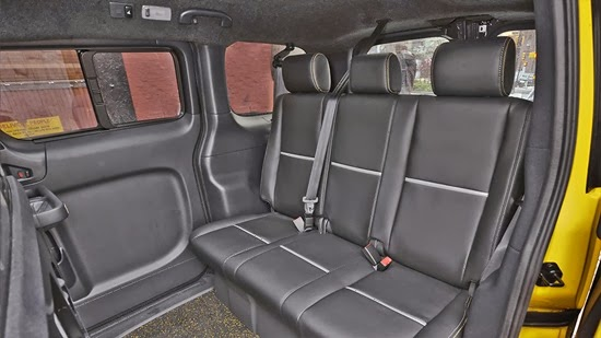 NV200™ Taxi Interior Details legroom