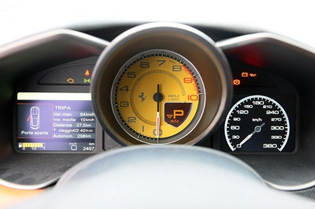 Ferrari FF dash board & on board diagonstics