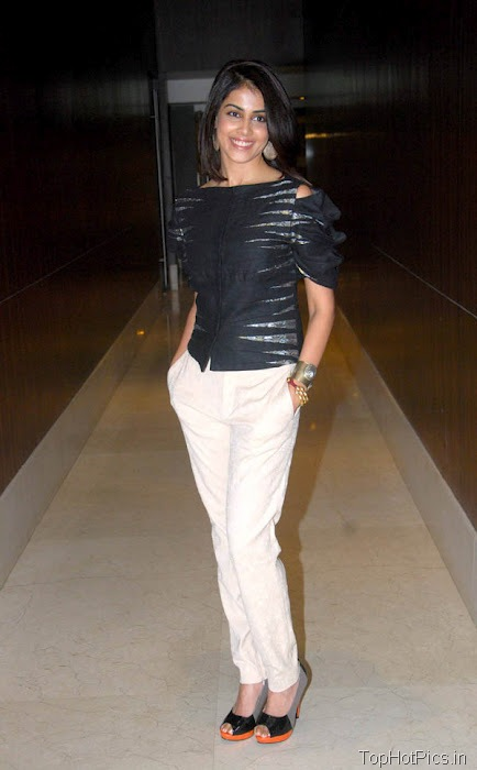 Genelia Hottest Pics in White Pants 4