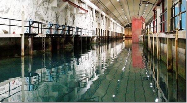 Quer comprar uma base submarina secreta (4)