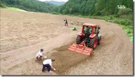 Modern.Farmer.E02.mp4_002935899_thumb[2]