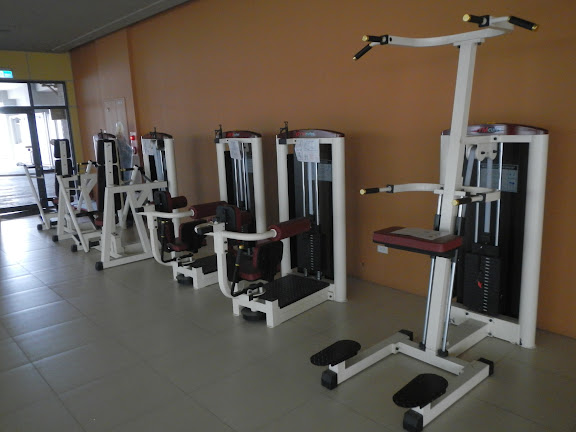 19 重量訓練器材.JPG
