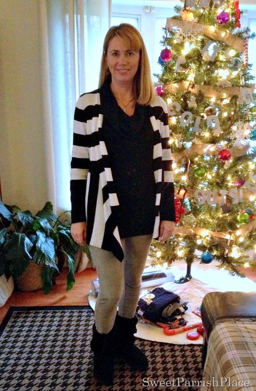 leggings with black and white stripes