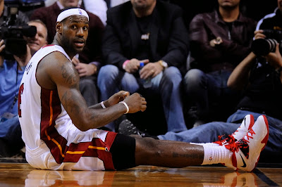 lebron james nba 140107 mia vs nop 07 LBJ Continues to Wear Nike Soldier VII with new Miami Home PE