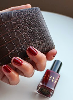 Bobbi-Brown-Bordeaux-NailPolish-swatch