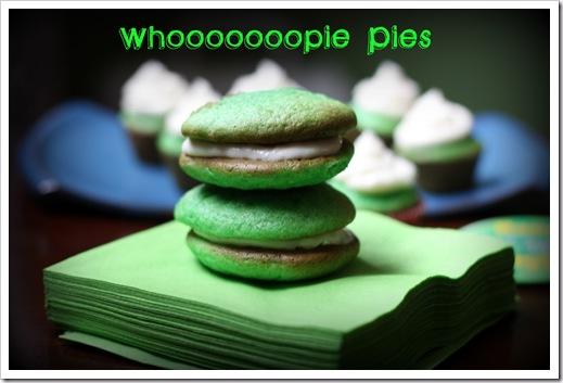 green_velvet_whoopie_pies