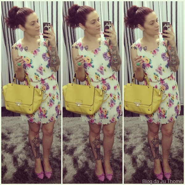 Look vestido floral, bolsa lima e sapatilhas