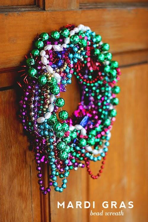 mardi-gras-wreath-640