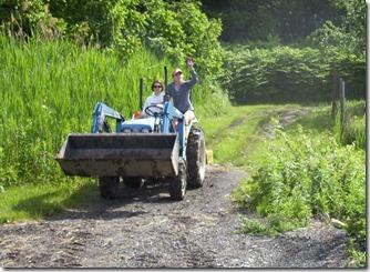 Lisa-Ali o the tractor