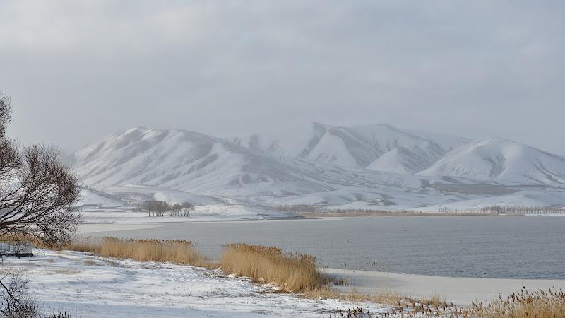 Iarna pe podisul Iranian, in loc de uscaciune zapada.