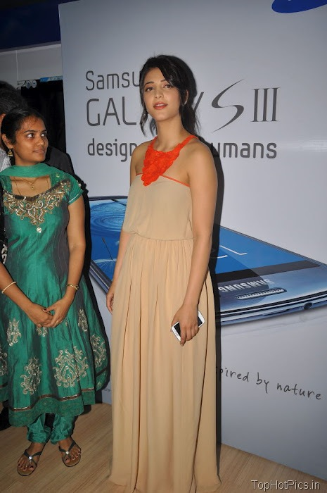 Shruti Hassan Hot Pics from Mobile Launch Event 6