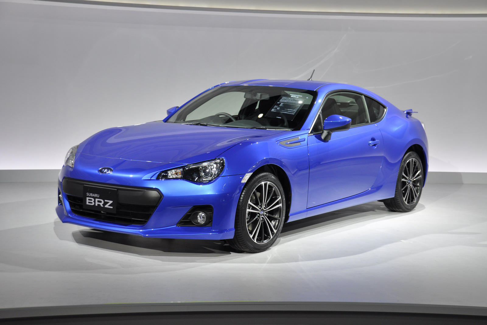 2013-Subaru-BRZ-Coupe-22.jpg?imgmax=1800