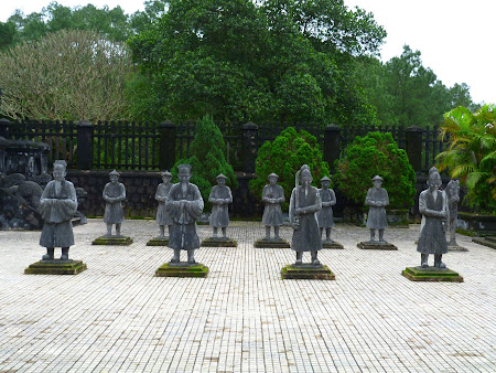 9. soldati vietnamezi.JPG