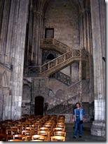 2005.08.19-016 escalier de la librairie dans la cathédrale