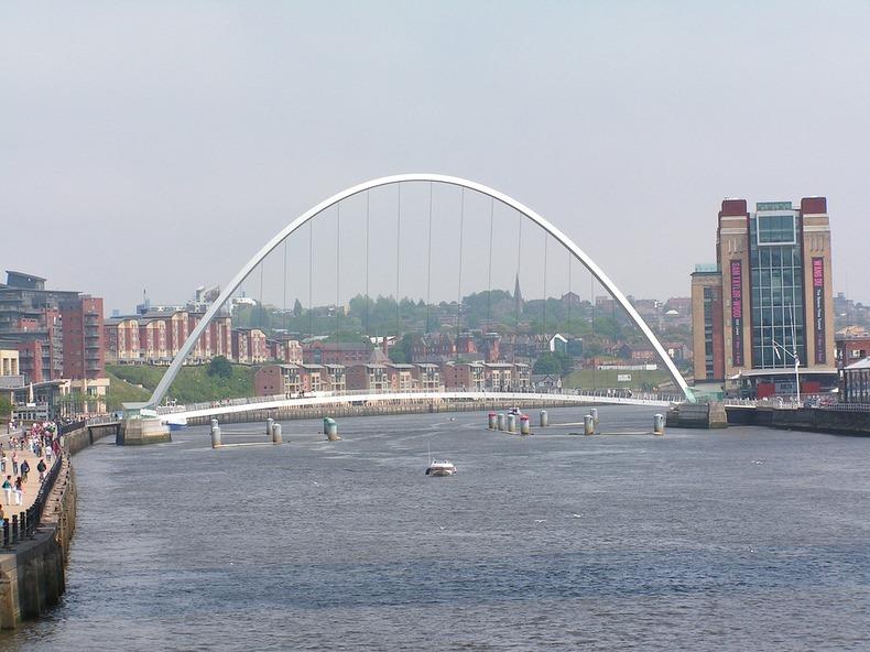 gateshead-millennium-bridge-14