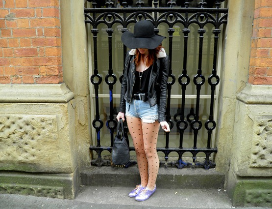 FLOPPY HAT 4