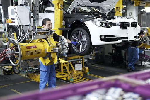 2012-BMW-3-Series-21.jpg