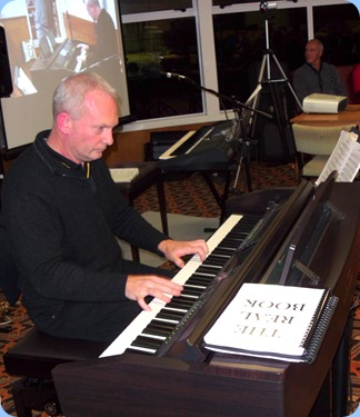Darren Smith, one of our guest artists for the Club Night, playing the Yamaha Clavinova CVP-509. Darren is the National Retail Sales Manager for the MusicWorks organisation (as well as being a wonderful musician!).
