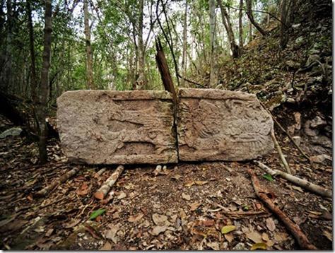 3-mayan-city-stone