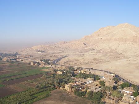Balon Luxor peste Malul de Vest