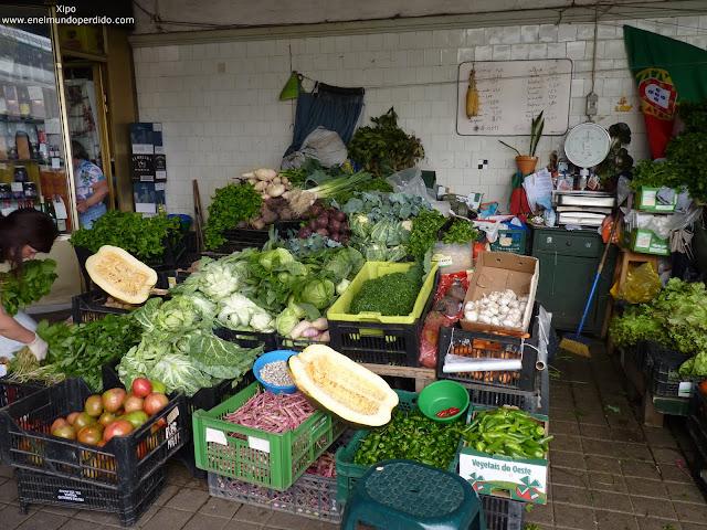 frutas-y-verduras-en-el-mercado-de-bolhao-oporto.JPG